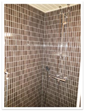 Linjasaneeraus kylpyhuoneen uusiminen Finnplumber
